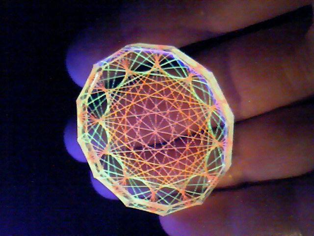 蛍光糸張りクリスタルレジン十二角形のオーロラ観覧車
