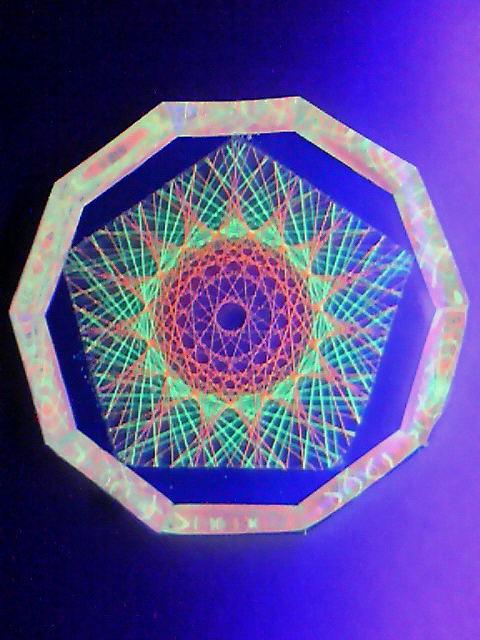 蛍光糸張りクリスタルレジ十五角のオーロラ珠