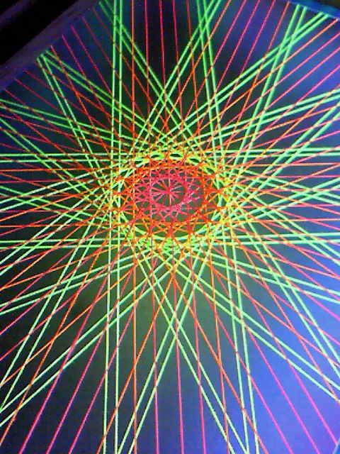 蛍光糸張り極光十六片紋