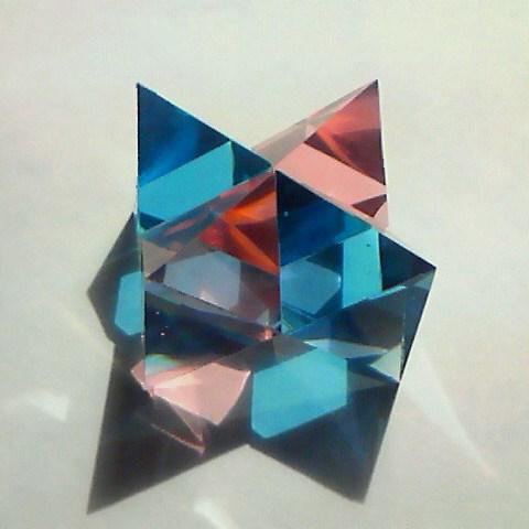デブコン空間充填八面体×4