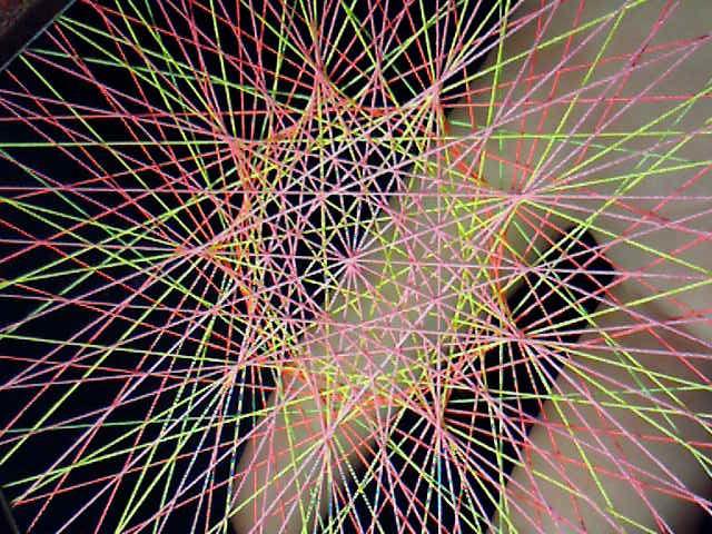 蛍光糸張り九角形のオーロラ観覧車