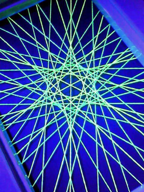 蛍光糸張り六光翠星
